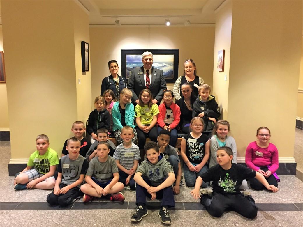 Sen Cyrway with Benton Elementary 3rd graders.jpg