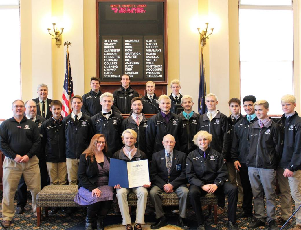 Sen Cyrway with Waterville Hockey Team (2)